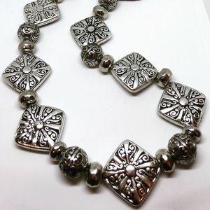 Women's silver tone necklace